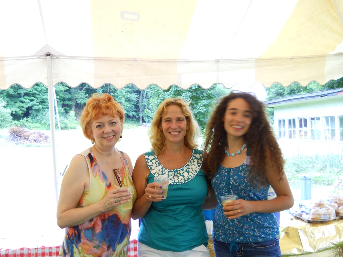 RPCVs at Bob Crowley's annual summer party